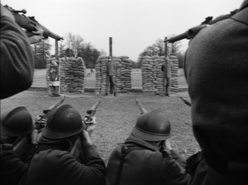 3 soldiers in front of a German firing squad